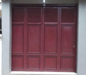 Pintu Garasi Besi Kecil 300x261 - Bengkel Las Gandul Depok