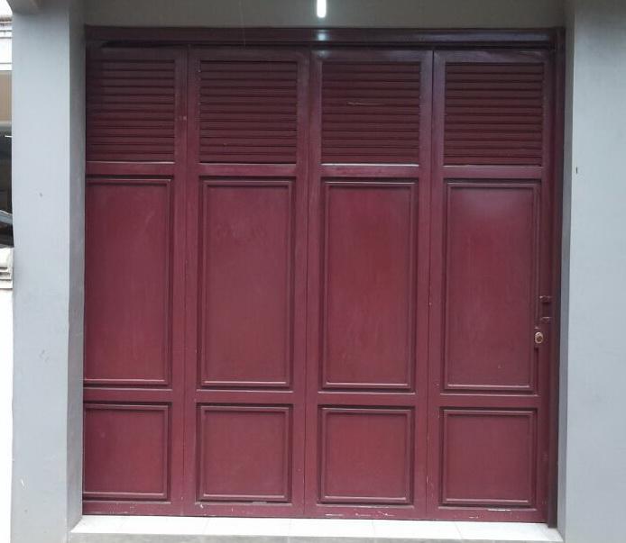 Pintu Garasi Besi Kecil